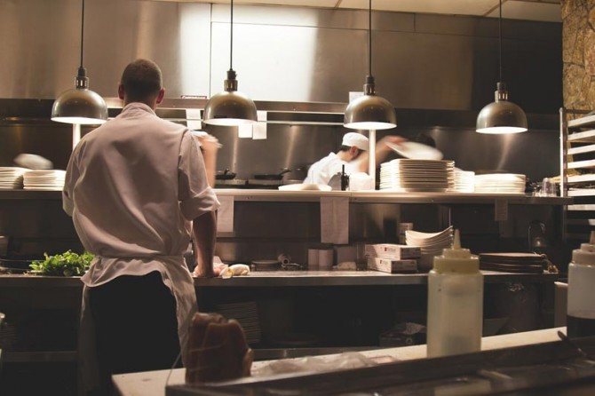 catering-kitchen-chef