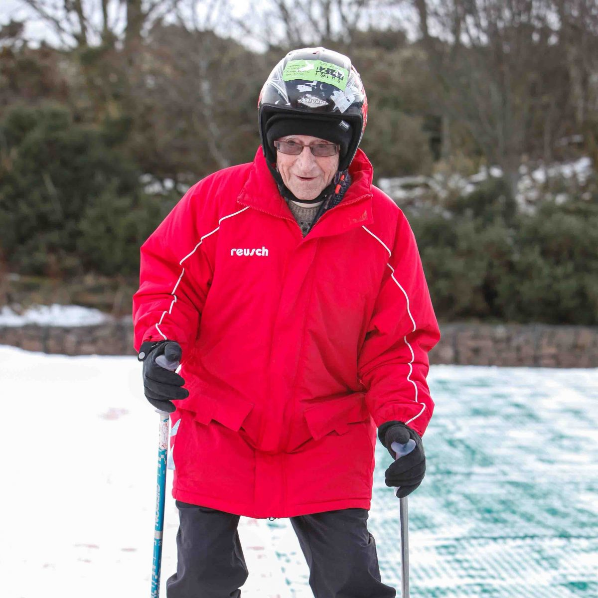 Blind WW2 Veteran Takes To The Slopes For The First Time