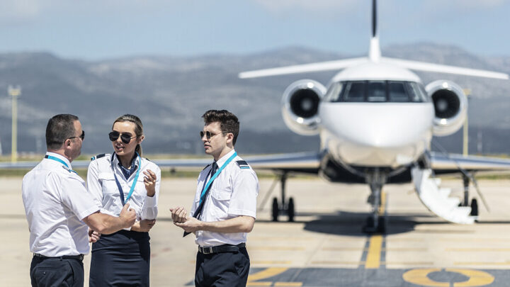 Fly High: from complete beginner to fully qualified airline pilot
